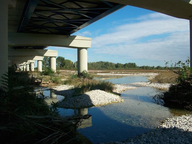 Ponte sul fiume Piave (Maserada). Foto di Samuele Tonellato.